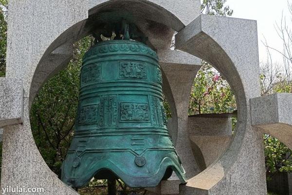 青铜大钟大图