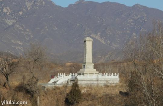 远观古北口保卫战纪念碑轮播图